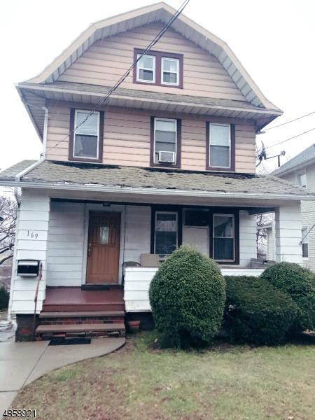Частный односемейный дом для того Продажа на 169 OVERPECK Avenue Ridgefield Park, Нью-Джерси 07660 Соединенные Штаты