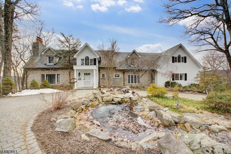 Maison unifamiliale pour l Vente à 5 BRUSH HILL Road Kinnelon, New Jersey 07405 États-Unis