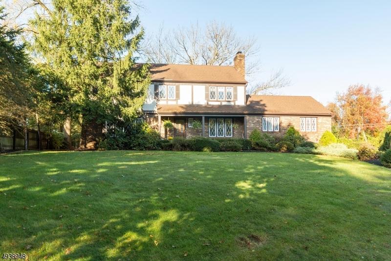 Single Family Homes för Försäljning vid New Providence, New Jersey 07974 Förenta staterna