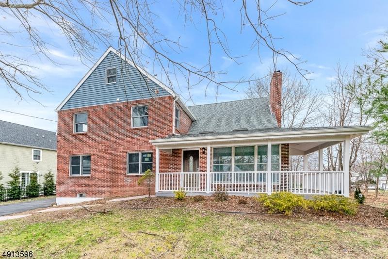 Single Family Homes per Vendita alle ore East Hanover, New Jersey 07936 Stati Uniti