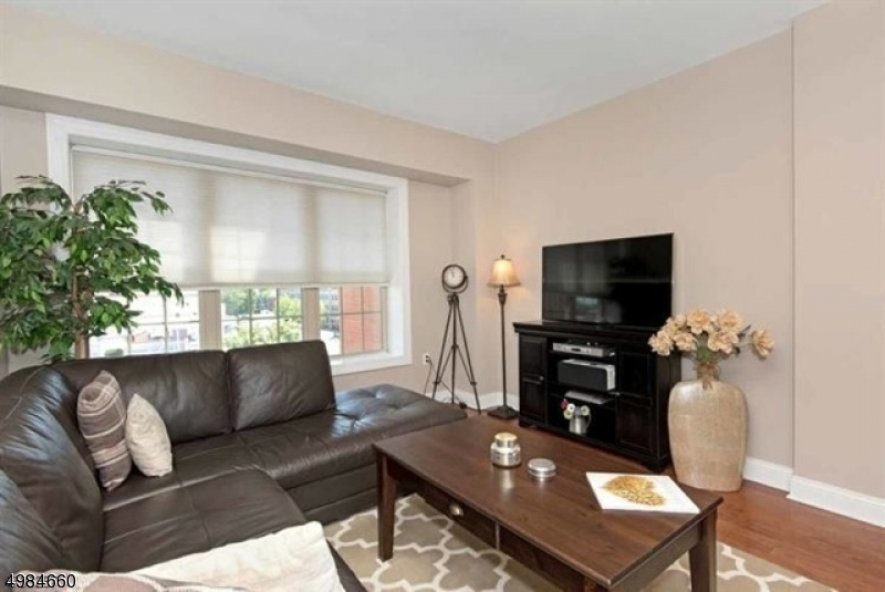 Condo / Townhouse for Rent at Montclair, New Jersey 07042 United States