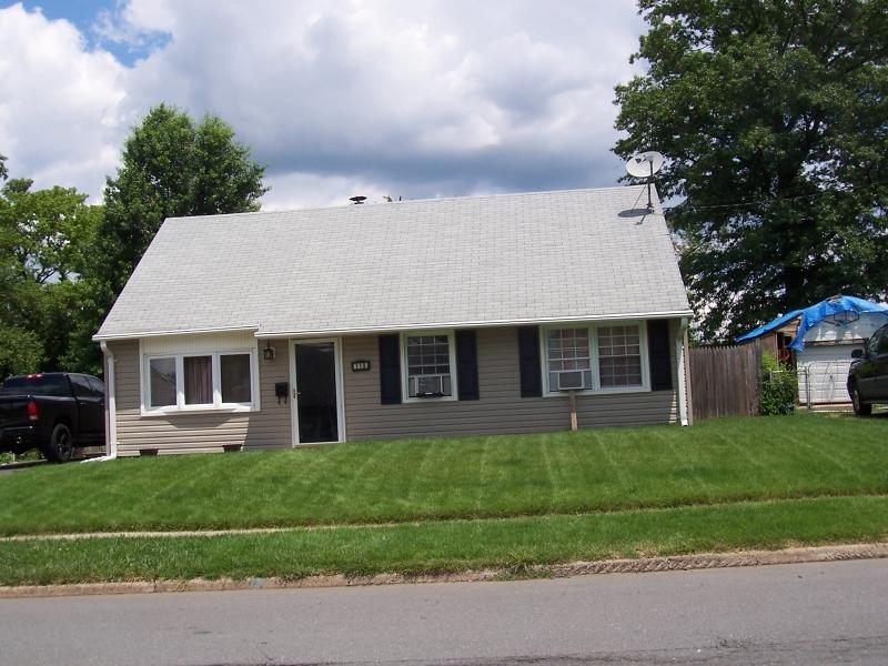 Maison unifamiliale pour l Vente à Address Not Available Edison, New Jersey 08817 États-Unis