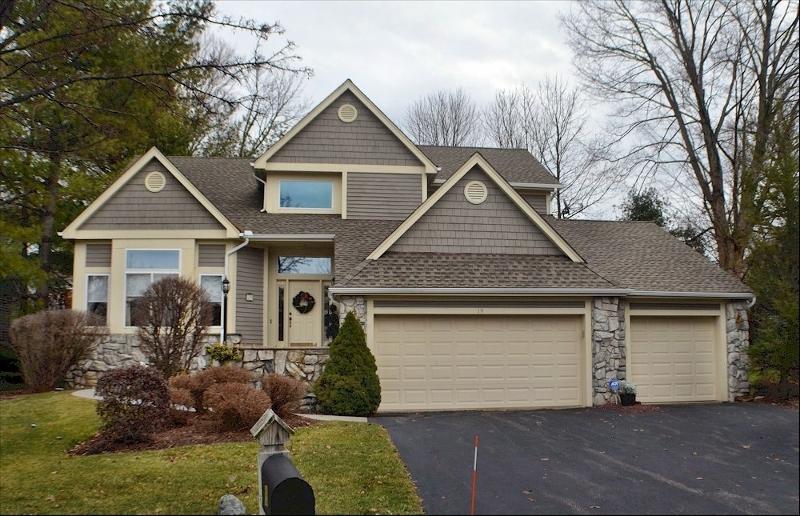独户住宅 为 销售 在 19 Red Oak Drive 汉堡, 07419 美国
