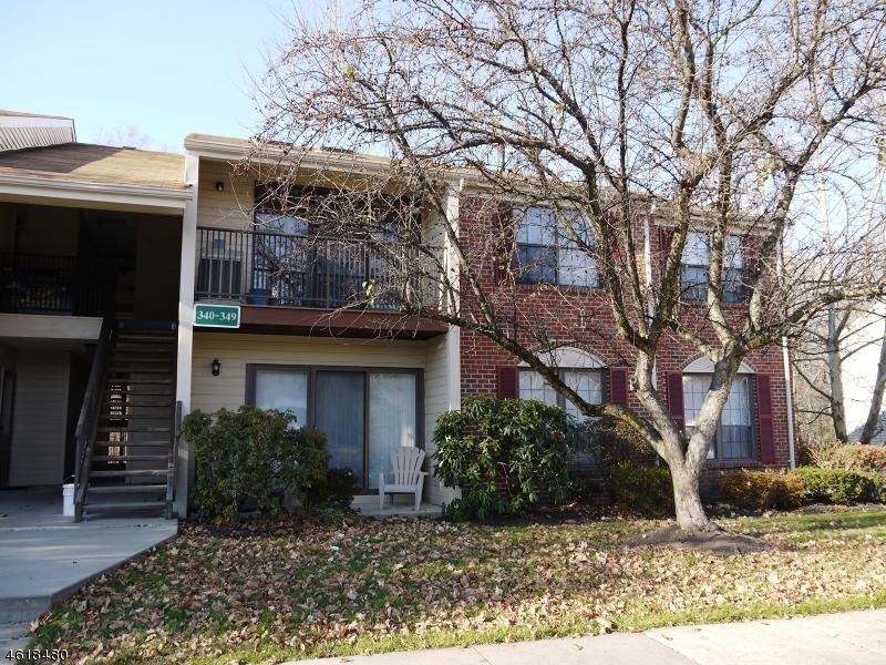 Частный односемейный дом для того Продажа на 343 Penns Way Basking Ridge, Нью-Джерси 07920 Соединенные Штаты