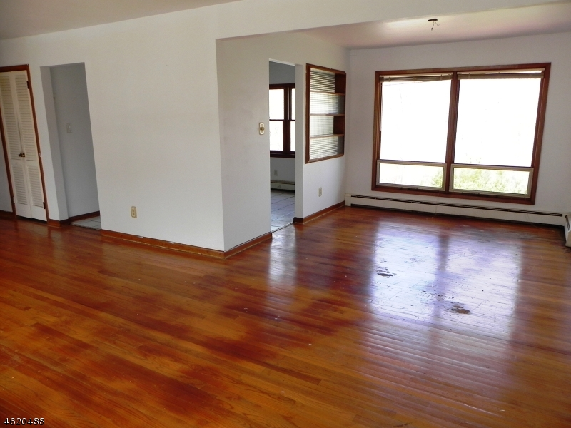Additional photo for property listing at 202 W Lake Shore Drive  Rockaway, New Jersey 07866 United States