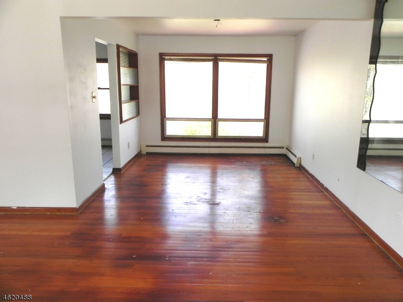 Additional photo for property listing at 202 W Lake Shore Drive  Rockaway, 新泽西州 07866 美国