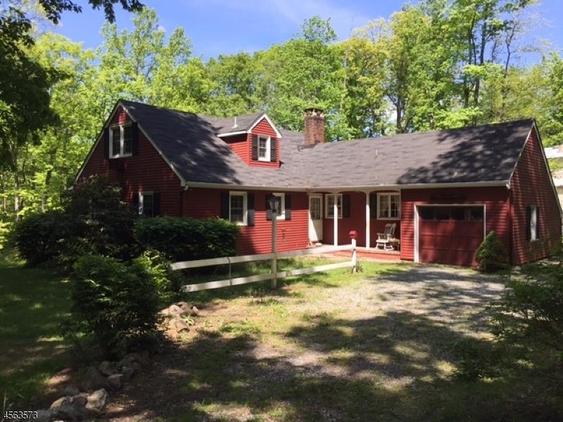 Maison unifamiliale pour l Vente à 94 Marion Avenue Butler, New Jersey 07405 États-Unis