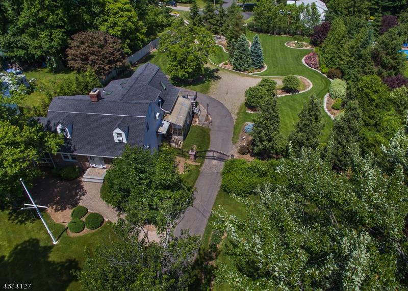 Частный односемейный дом для того Продажа на 388 Sicomac Avenue Wyckoff, Нью-Джерси 07481 Соединенные Штаты