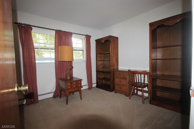 Additional photo for property listing at 37 Pitman Place  Wayne, New Jersey 07470 United States