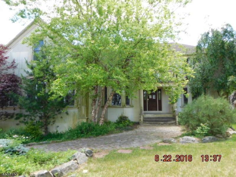Maison unifamiliale pour l Vente à 5 Baldwin Dew Court Sparta, New Jersey 07871 États-Unis