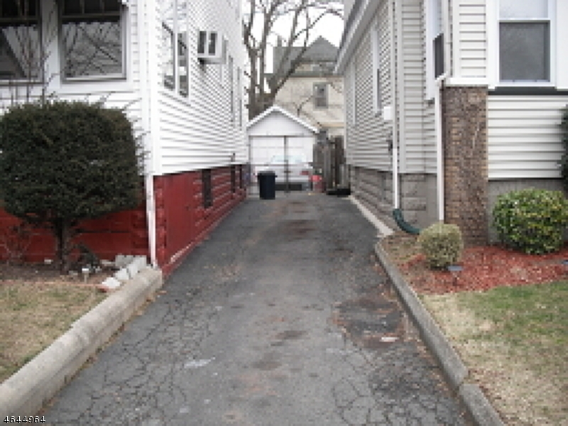 Additional photo for property listing at 64 Elmwood Ter  Irvington, Nueva Jersey 07111 Estados Unidos