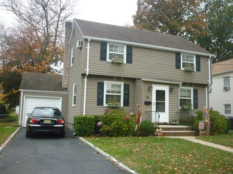 Частный односемейный дом для того Продажа на 89 Henshaw Avenue Springfield, Нью-Джерси 07081 Соединенные Штаты