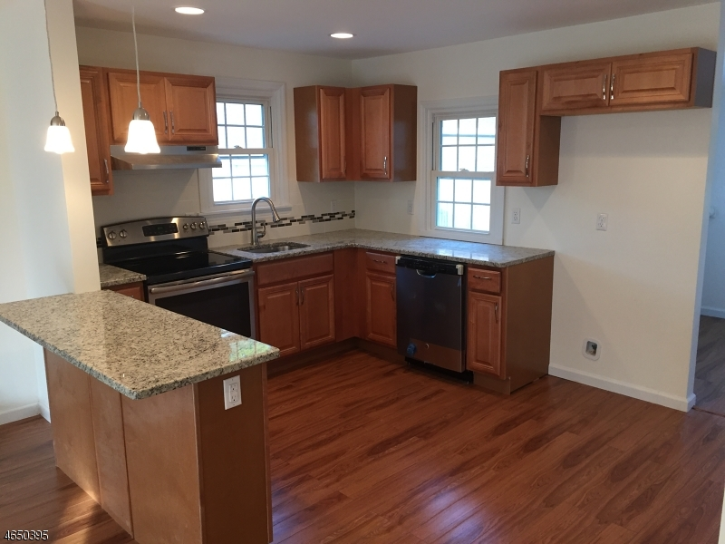 Additional photo for property listing at 26 Hillcrest Avenue  Budd Lake, New Jersey 07828 États-Unis