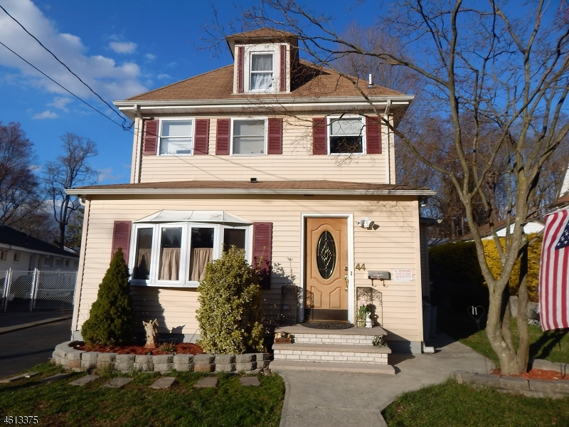 Single Family Home for Sale at 44 Woodward Avenue Bloomingdale, 07403 United States