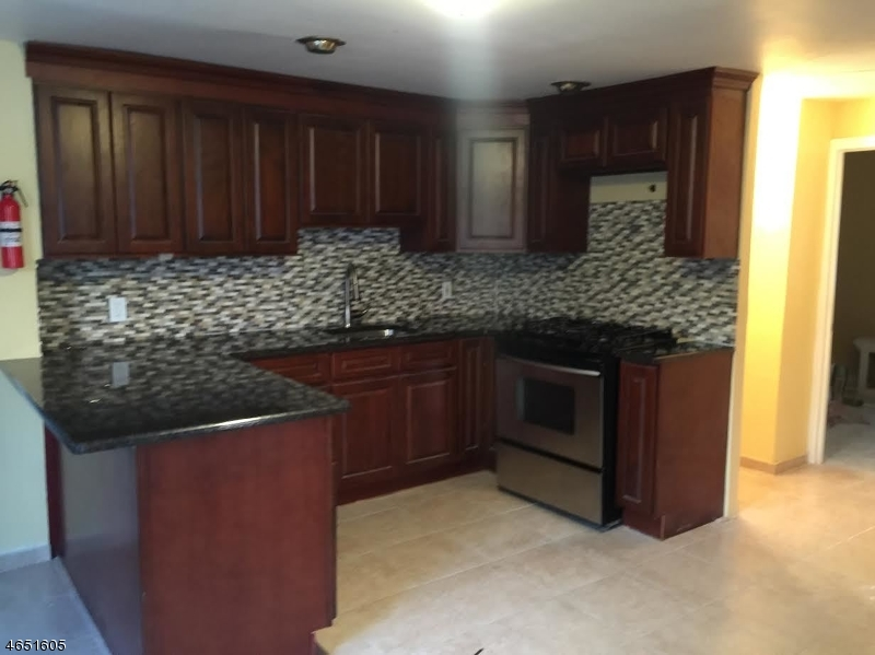 Additional photo for property listing at 11 RALPH Street  Belleville, Nueva Jersey 07109 Estados Unidos