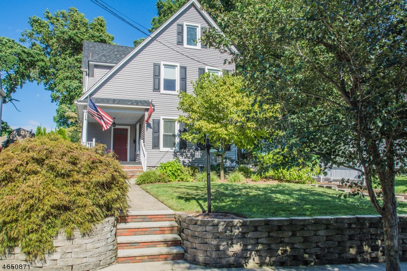 Частный односемейный дом для того Продажа на 17 S Highwood Avenue Glen Rock, 07452 Соединенные Штаты