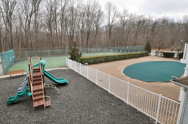 Additional photo for property listing at 2003 Wendover Drive  Pompton Plains, Nueva Jersey 07444 Estados Unidos