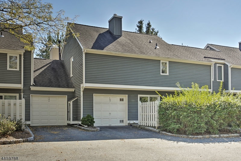 Additional photo for property listing at 147 Village Drive  Basking Ridge, New Jersey 07920 United States