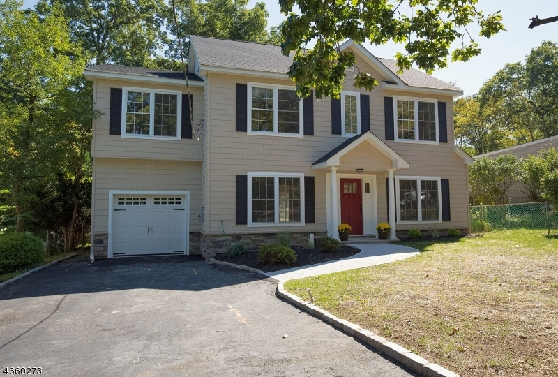Additional photo for property listing at 46 Elmwood Drive  Livingston, New Jersey 07039 États-Unis