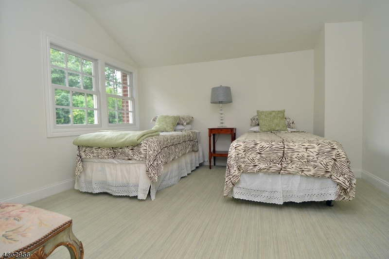 Additional photo for property listing at 58 Ramapo Hills Blvd  奥克兰, 新泽西州 07436 美国