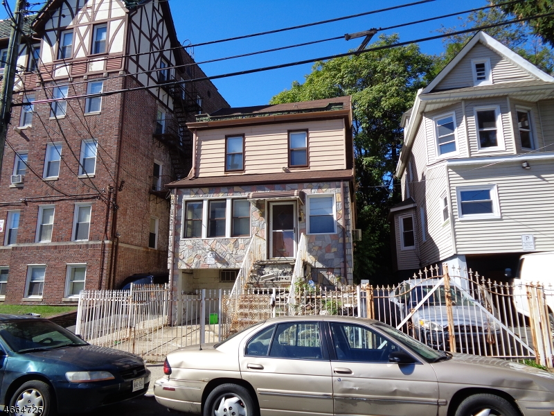 Additional photo for property listing at 17 Chapman Place  Irvington, New Jersey 07111 États-Unis