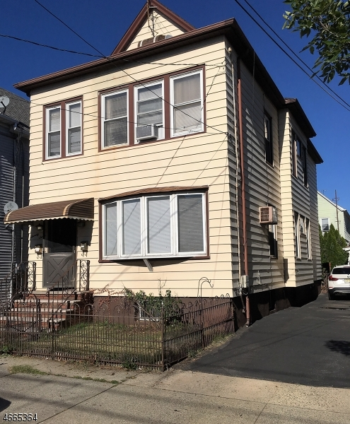 Additional photo for property listing at 77 Arthur Street  Clifton, New Jersey 07011 États-Unis