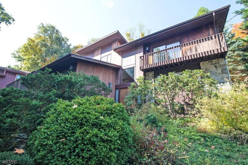 独户住宅 为 销售 在 34 Crestwood Drive Maplewood, 新泽西州 07040 美国