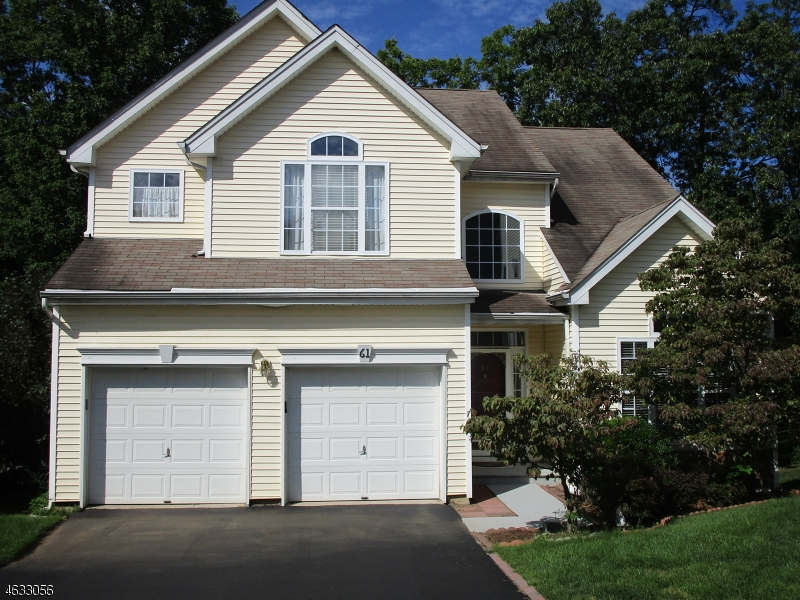 Additional photo for property listing at 61 Winding Hill Drive  Hackettstown, New Jersey 07840 États-Unis
