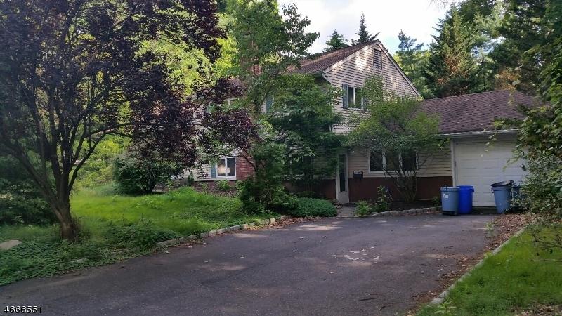 独户住宅 为 销售 在 104 Oak Street 克洛斯特, 07624 美国