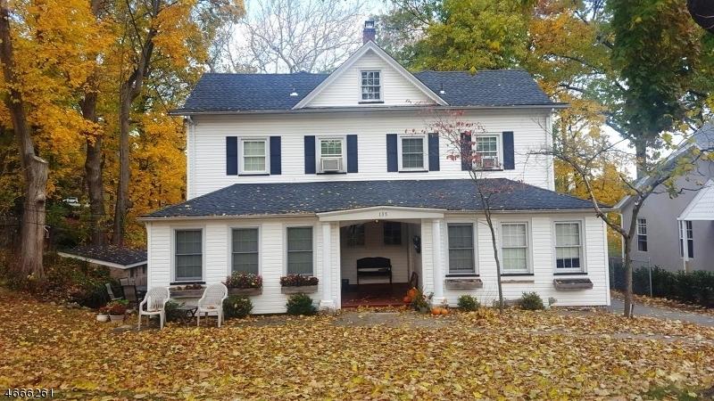Maison unifamiliale pour l à louer à 135 Brookside Avenue Ho Ho Kus, New Jersey 07423 États-Unis