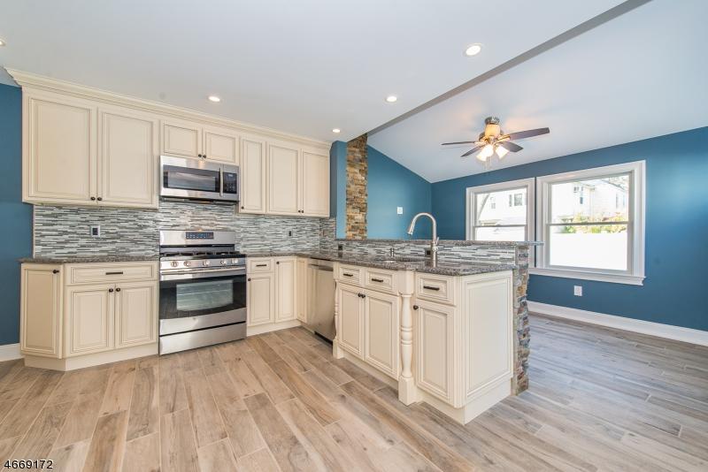 Maison unifamiliale pour l à louer à 209 Ivy Street Kearny, New Jersey 07032 États-Unis