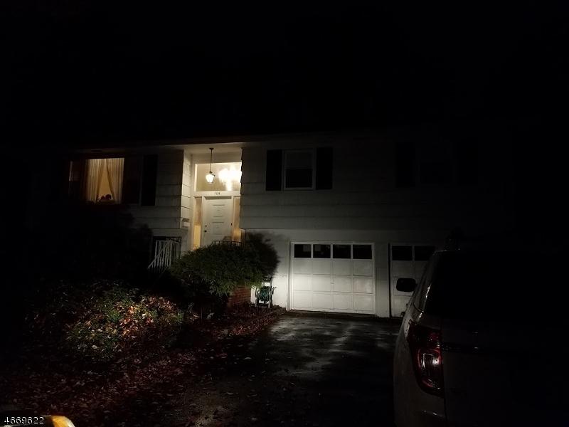 独户住宅 为 出租 在 404 Chelsea Street 帕拉默斯, 07652 美国