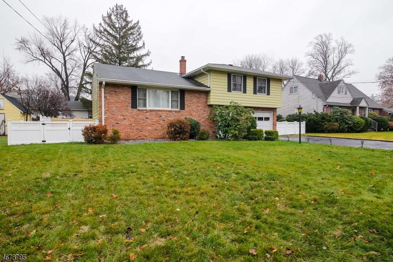 Частный односемейный дом для того Продажа на Address Not Available New Milford, Нью-Джерси 07646 Соединенные Штаты