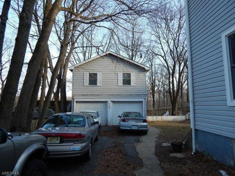 独户住宅 为 出租 在 503 1/2 W PLANE STREET 哈克特斯镇, 新泽西州 07840 美国