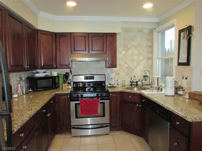 Частный односемейный дом для того Аренда на 836 Park Avenue Hoboken, Нью-Джерси 07030 Соединенные Штаты
