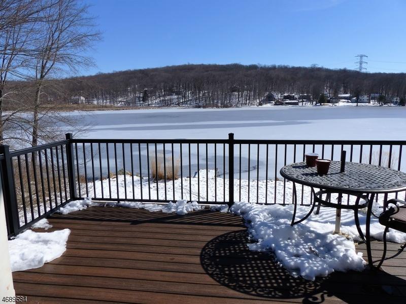 Частный односемейный дом для того Аренда на 111 Seneca Lake Road Sparta, Нью-Джерси 07871 Соединенные Штаты