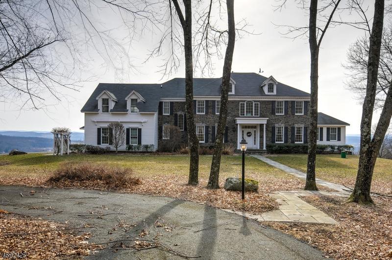 Частный односемейный дом для того Продажа на 34 MORRIS Avenue Branchville, 07826 Соединенные Штаты