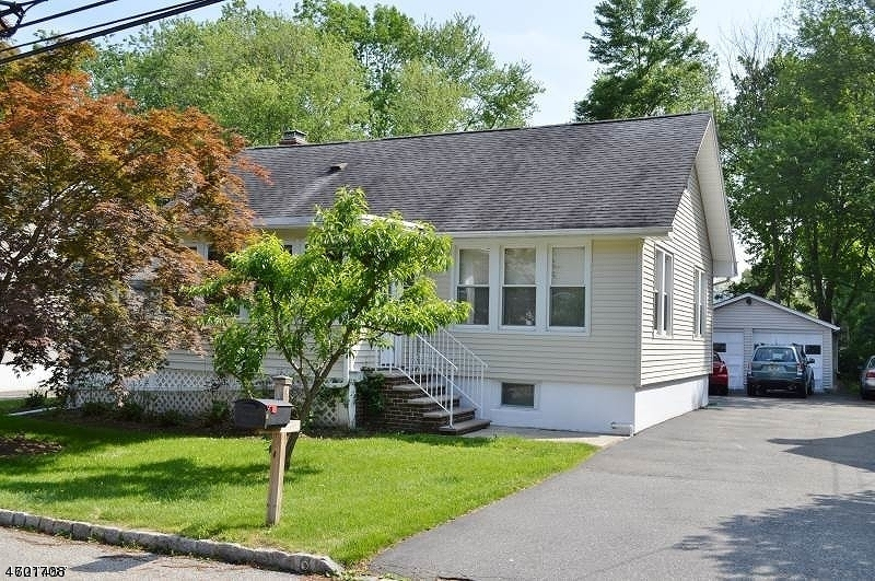 独户住宅 为 出租 在 6 Townsend Avenue Cedar Knolls, 新泽西州 07927 美国