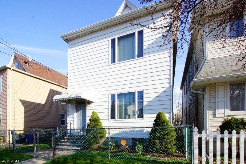 独户住宅 为 出租 在 112 Van Winkle Avenue Garfield, 新泽西州 07026 美国