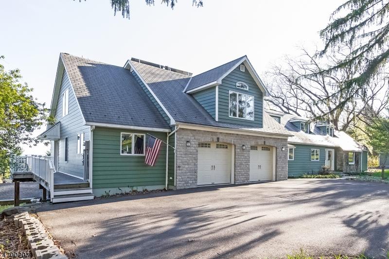 Частный односемейный дом для того Продажа на 4 Oak Lane Milford, Нью-Джерси 08848 Соединенные Штаты