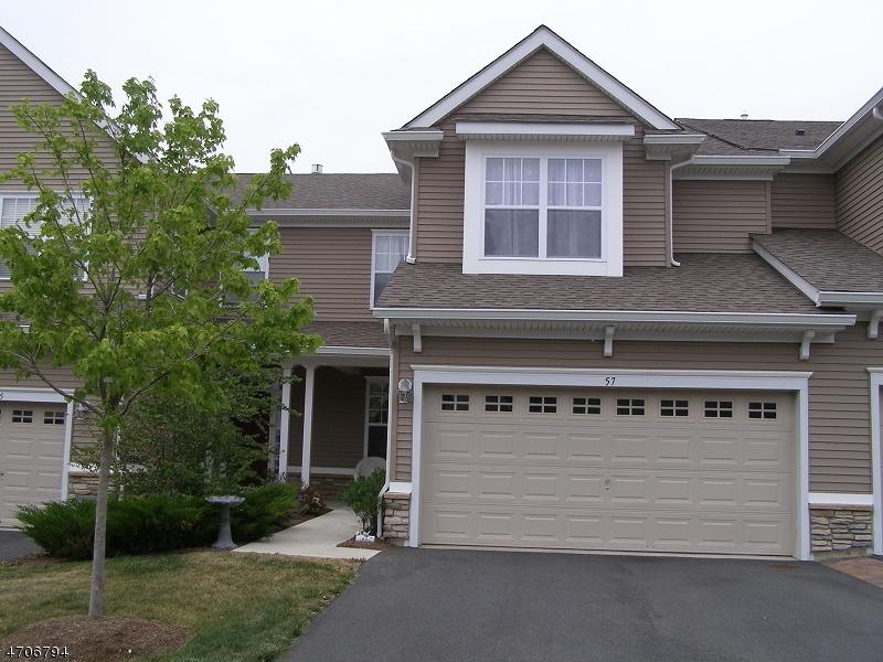 Частный односемейный дом для того Продажа на 57 Junegrass Way Allamuchy, 07840 Соединенные Штаты