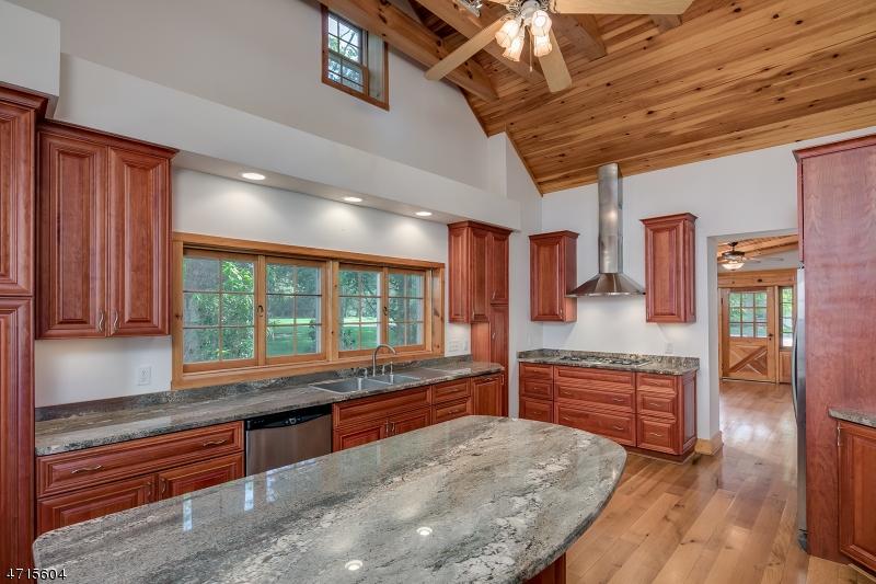 Nhà ở một gia đình vì Bán tại 1 D Angelo Drive Branchburg, New Jersey 08876 Hoa Kỳ
