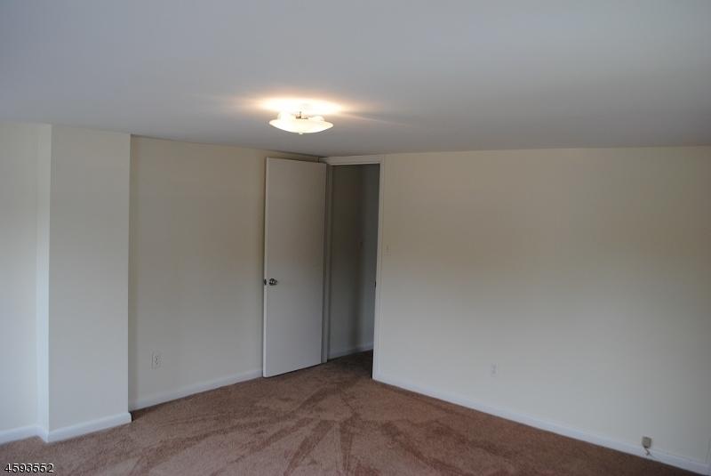 Additional photo for property listing at 11-13 Church Street  Hampton, Nueva Jersey 08827 Estados Unidos