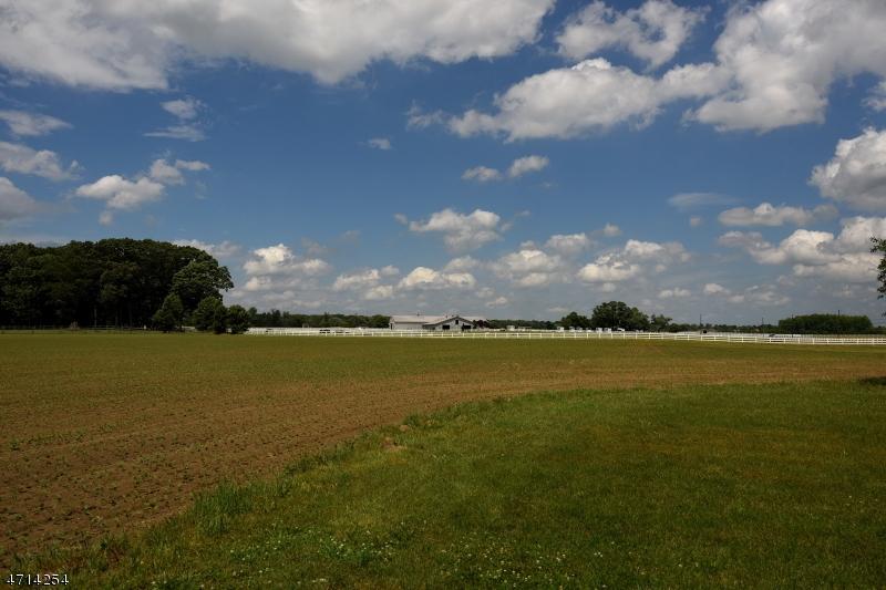 Terrain pour l Vente à Address Not Available Hainesport Township, New Jersey 08036 États-Unis