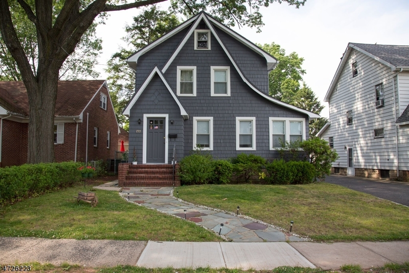 Single Family Home for Sale at 153 W Colfax Avenue Roselle Park, New Jersey 07204 United States