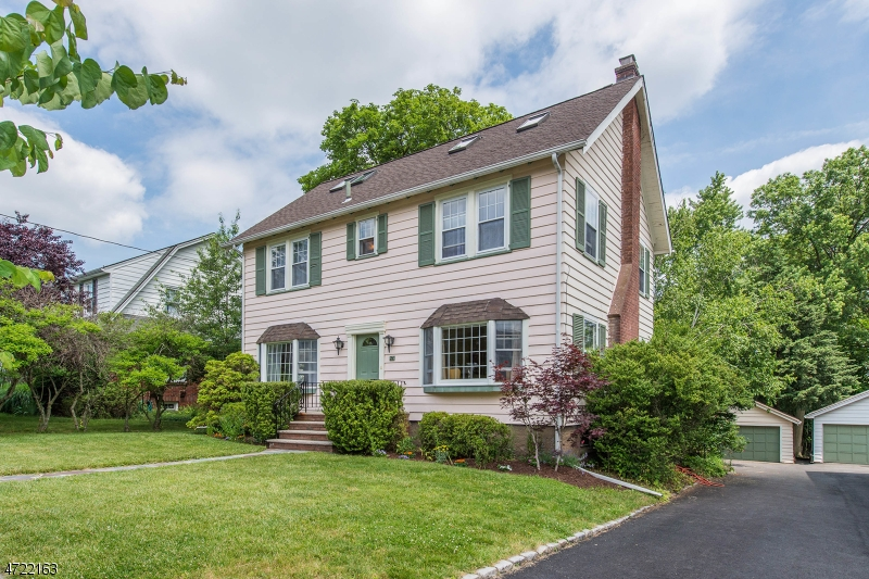 Casa Unifamiliar por un Venta en 24 Prospect Street Little Falls, Nueva Jersey 07424 Estados Unidos