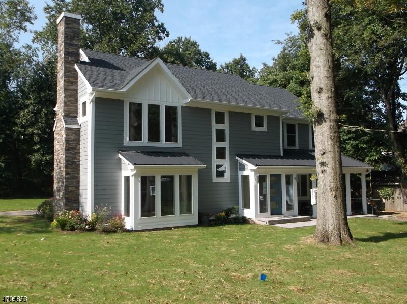 Maison unifamiliale pour l Vente à 227 Summit Road Mountainside, New Jersey 07092 États-Unis