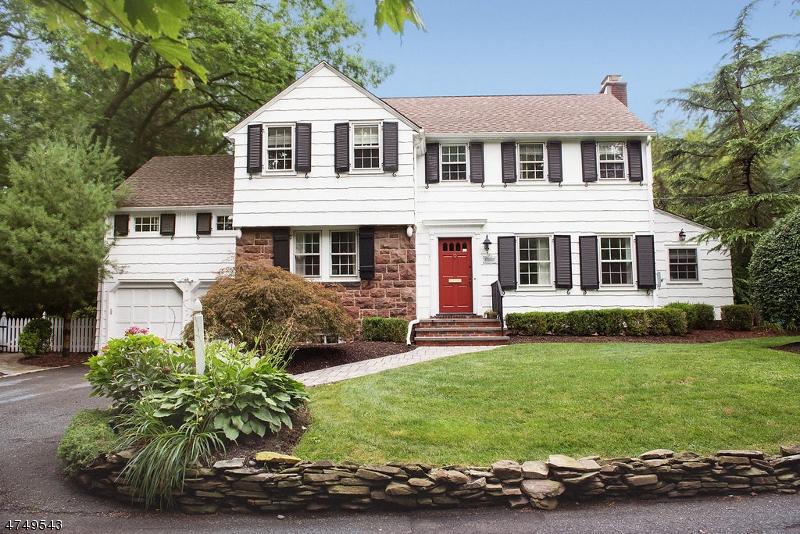 独户住宅 为 销售 在 29 Brookside Road Maplewood, 新泽西州 07040 美国