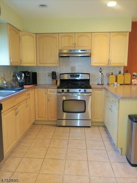 Maison unifamiliale pour l à louer à 45 Berkshire Place Irvington, New Jersey 07111 États-Unis