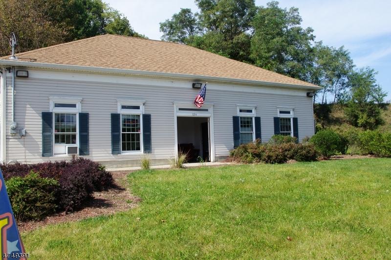 Commercial pour l Vente à 124 State Route 23 Wantage, New Jersey 07461 États-Unis